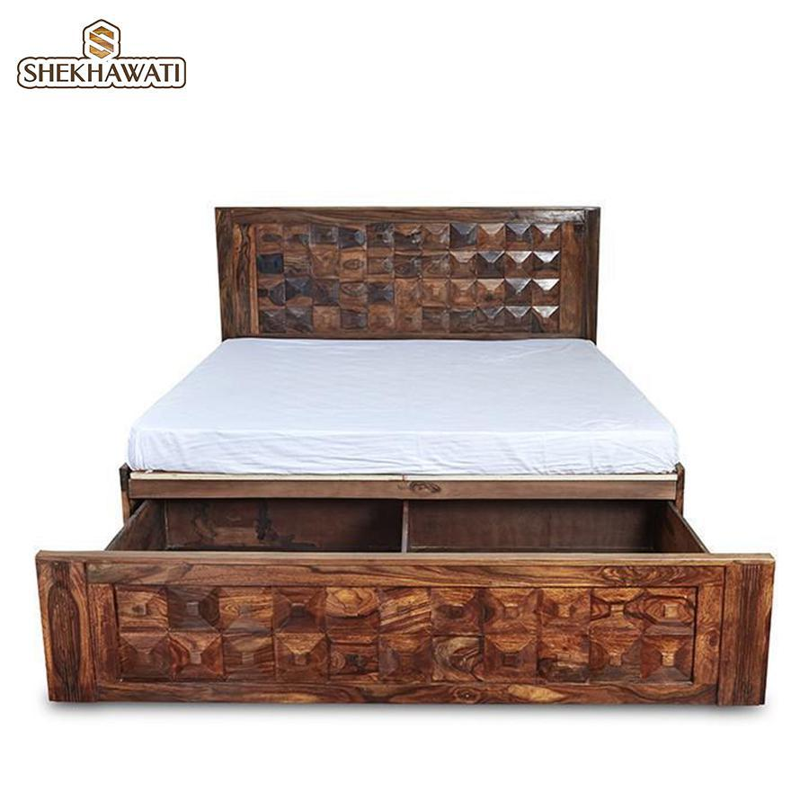 Tale Queen Size Bed