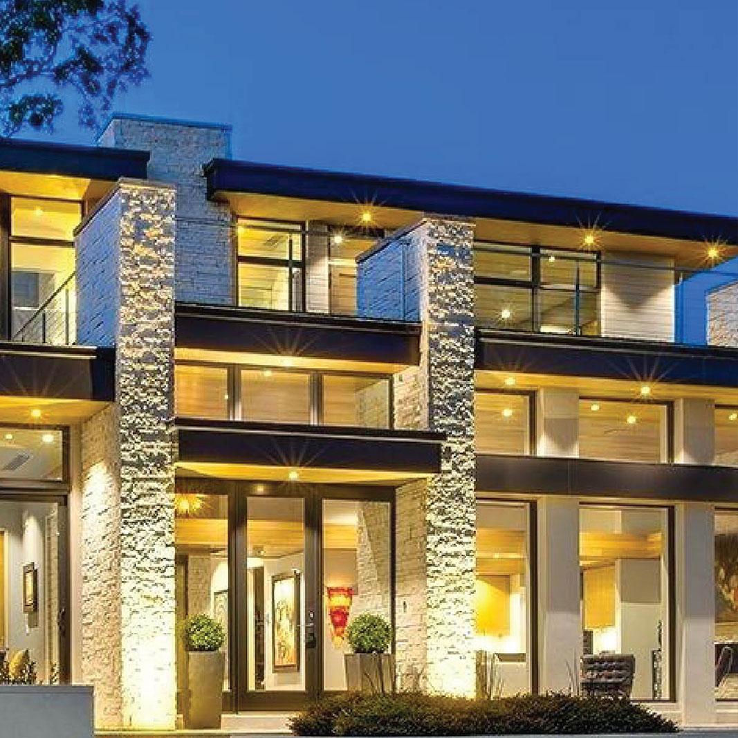Lauxury Homes