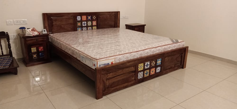 Without Storage Cot